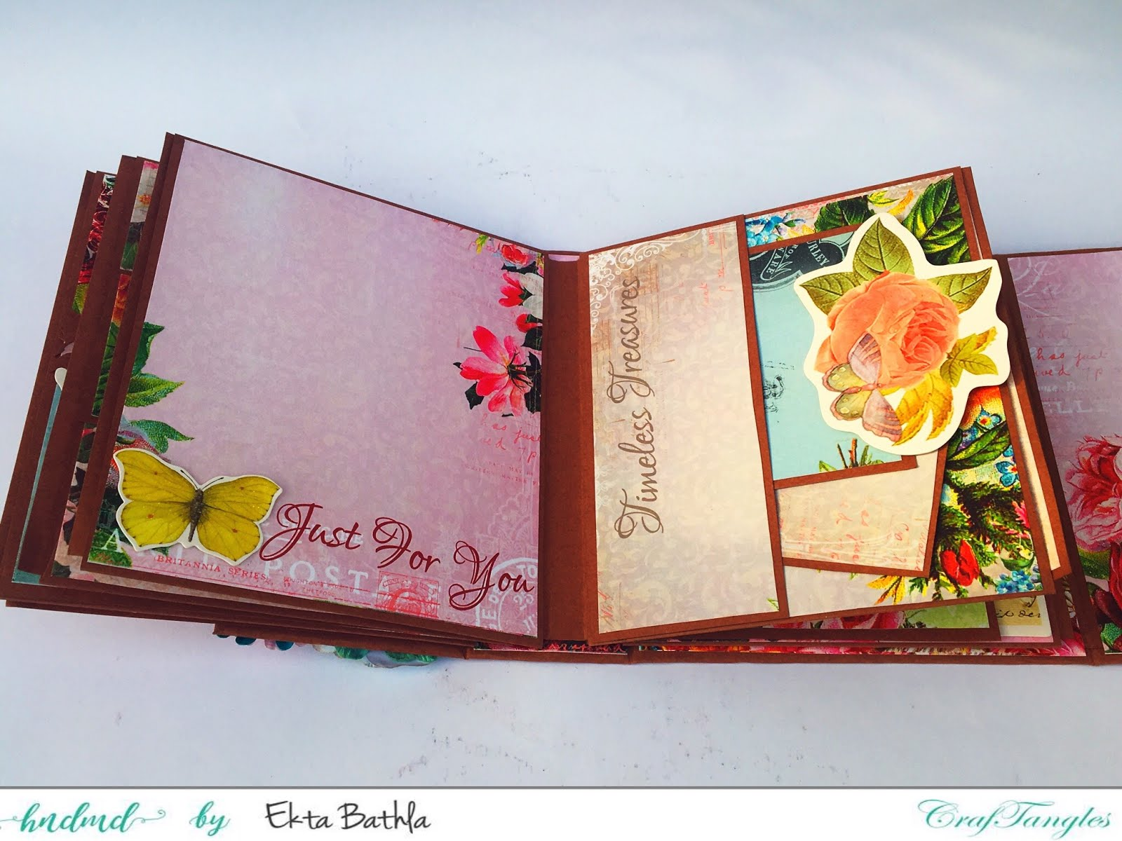 Photo house box with a drawer and an album 10