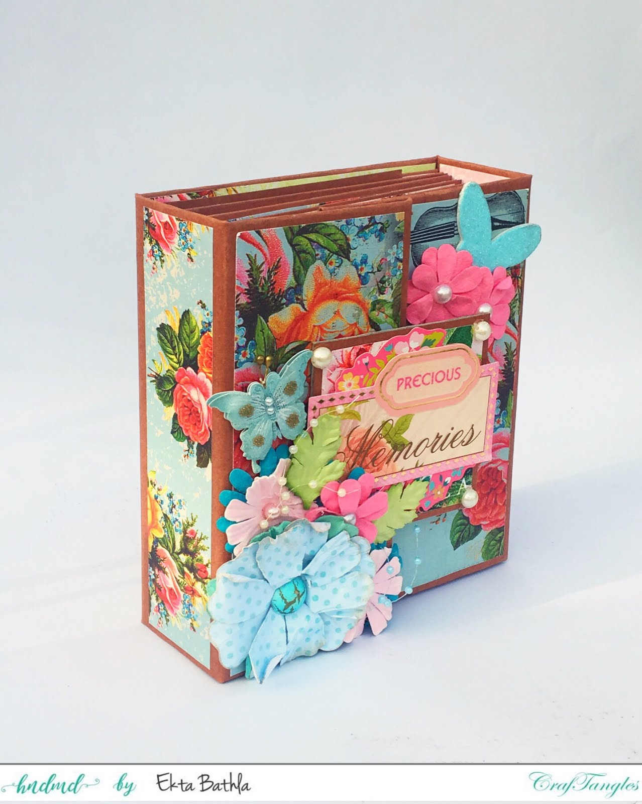 Photo house box with a drawer and an album 5