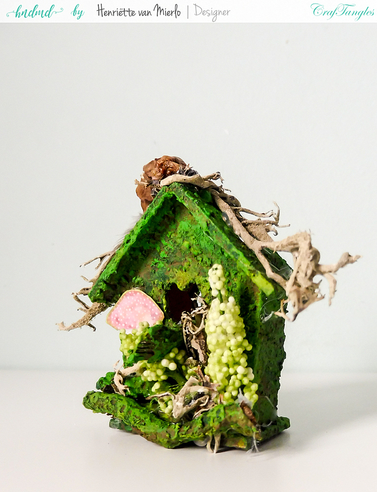Birdhouses with moss effect paste 6