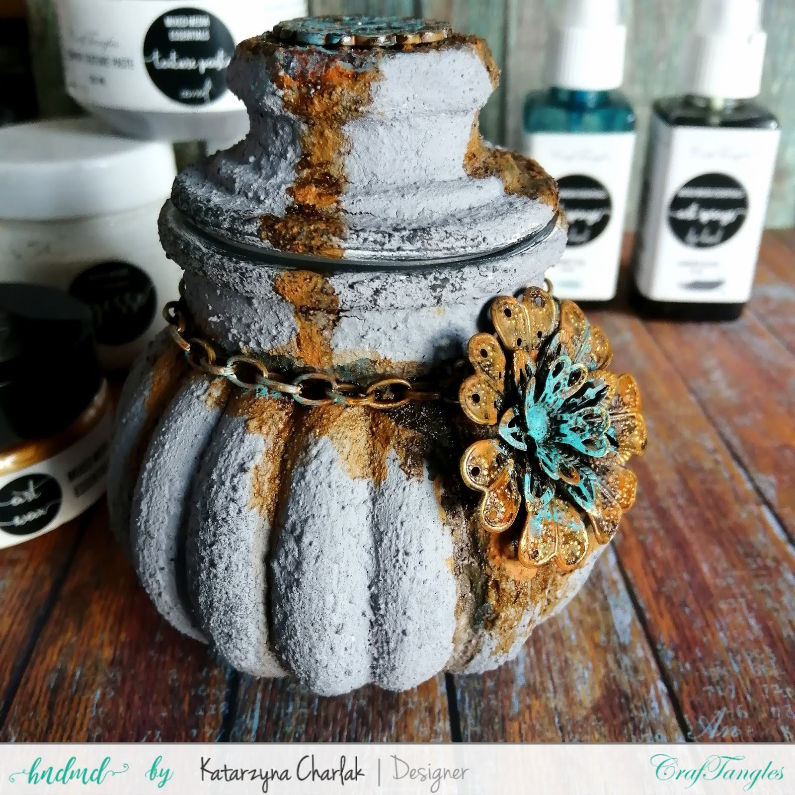 Glass jar with a stone effect by Katarzyna Charlak 5