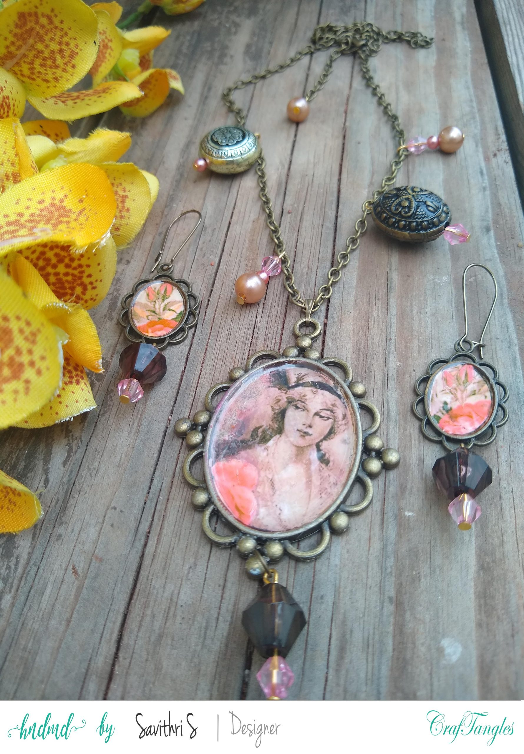 Gorgeous Vintage Decoupage Jewelry 1