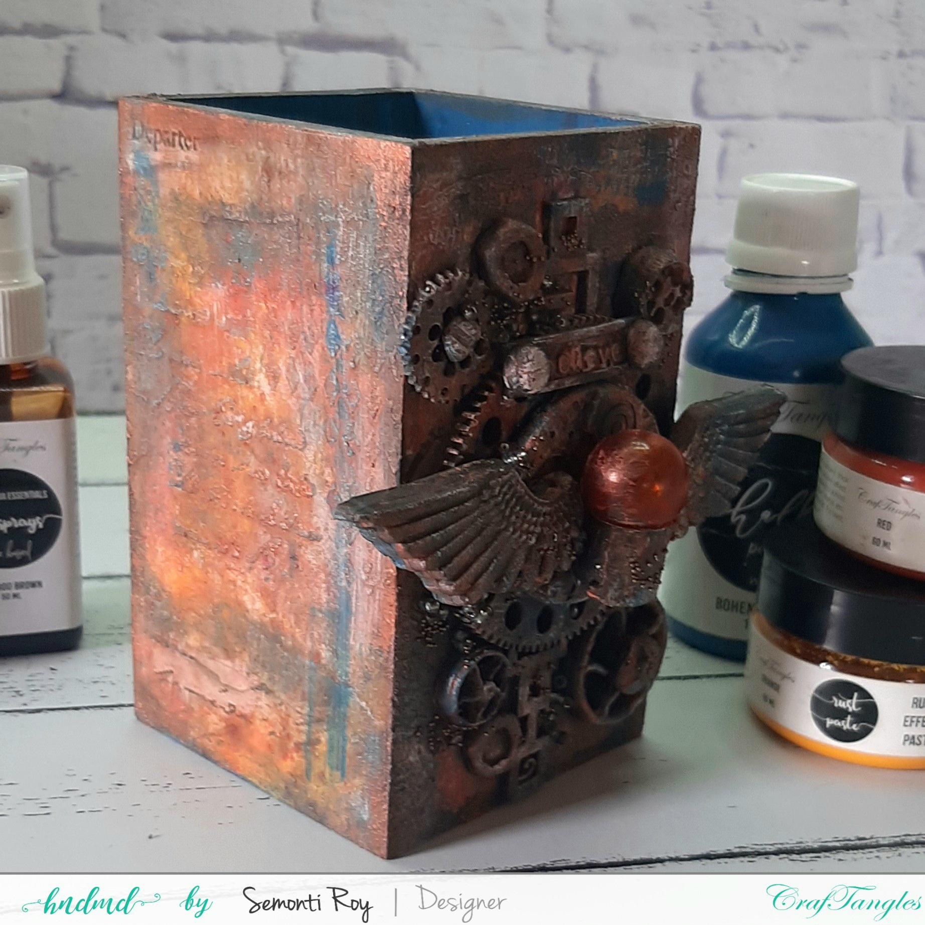 Gorgeous Rustic Steampunk Pen Stand 2