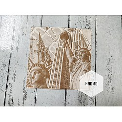 A pack of 12 by 12 inch Decoupage Napkins / Decoupage Tissues (5 pcs)  - Statue of Liberty