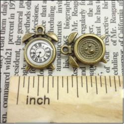 Antique round Clock - pack of 5