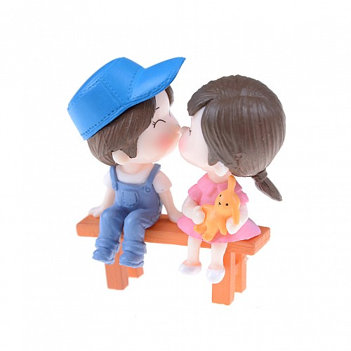 Miniatures - Boy and Girl on Bench (3 pcs) CAMINI-53