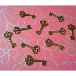Antique Key - Design 1 - pack of 10