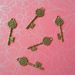 Antique Key - Design 2 - pack of 5