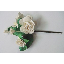 A bouquet of flowers- White (Pack of 5 bouquets)