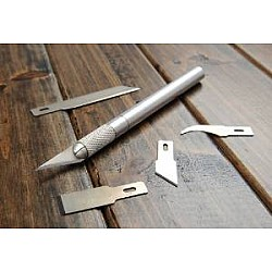 DAFA  Hobby Knife with 5 different replacable blades